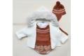 Jersey y gorro con greca en color caldera