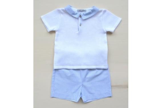 Conjunto de niño polo blanco con cuello rayitas celestes y pantalón rayitas celestes