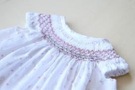 Jesusito plumeti corazones rosas con nido de abeja y bordados hechos a mano